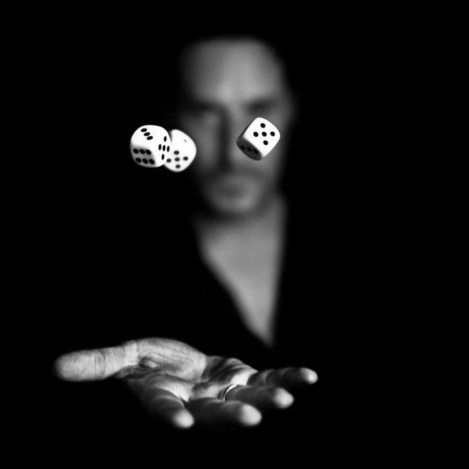 مصدر الصورة http://justsomething.co/striking-black-and-white-photography-by-benoit-courti/