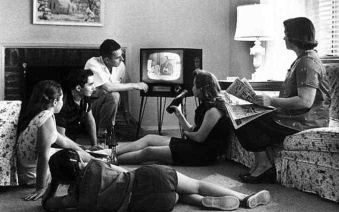 التلفزيون قديم
